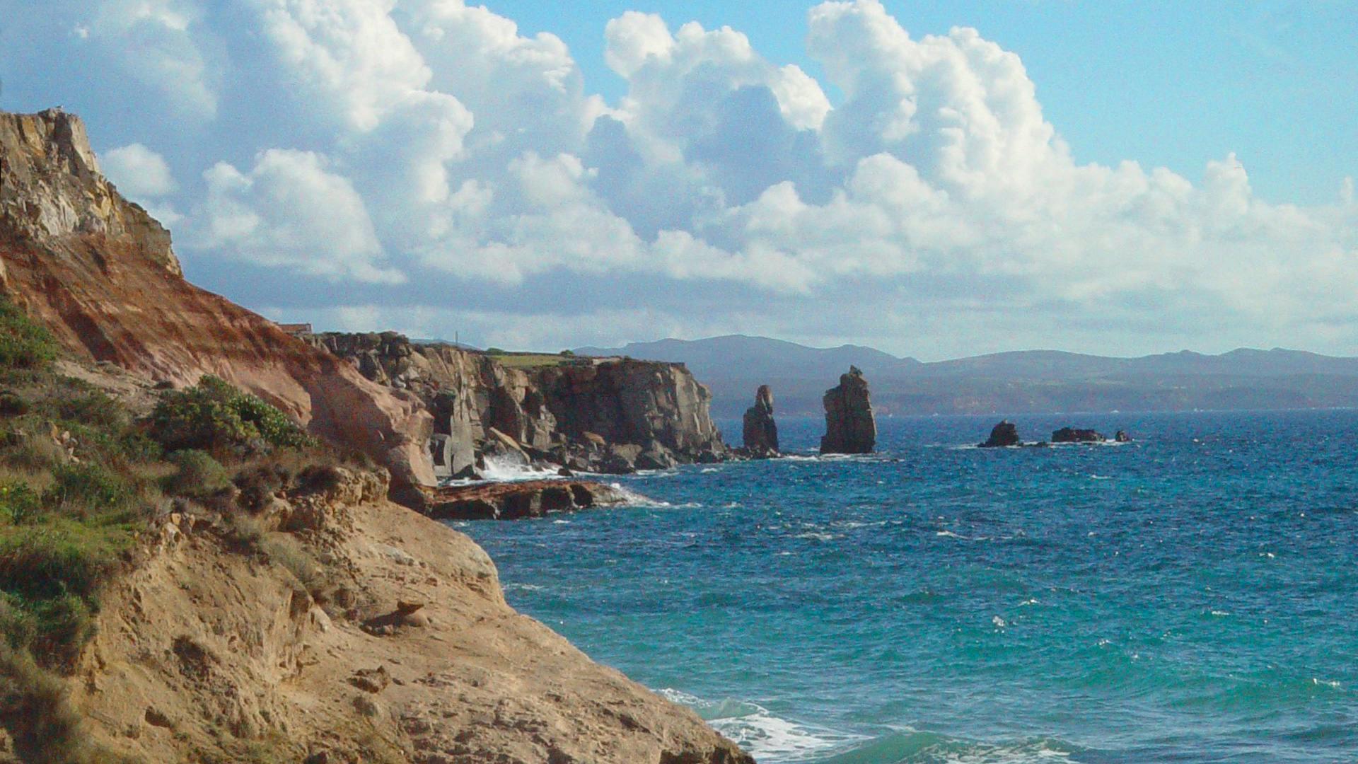 Isola di San Pietro, Le-Colonne-e-la Sardegna.