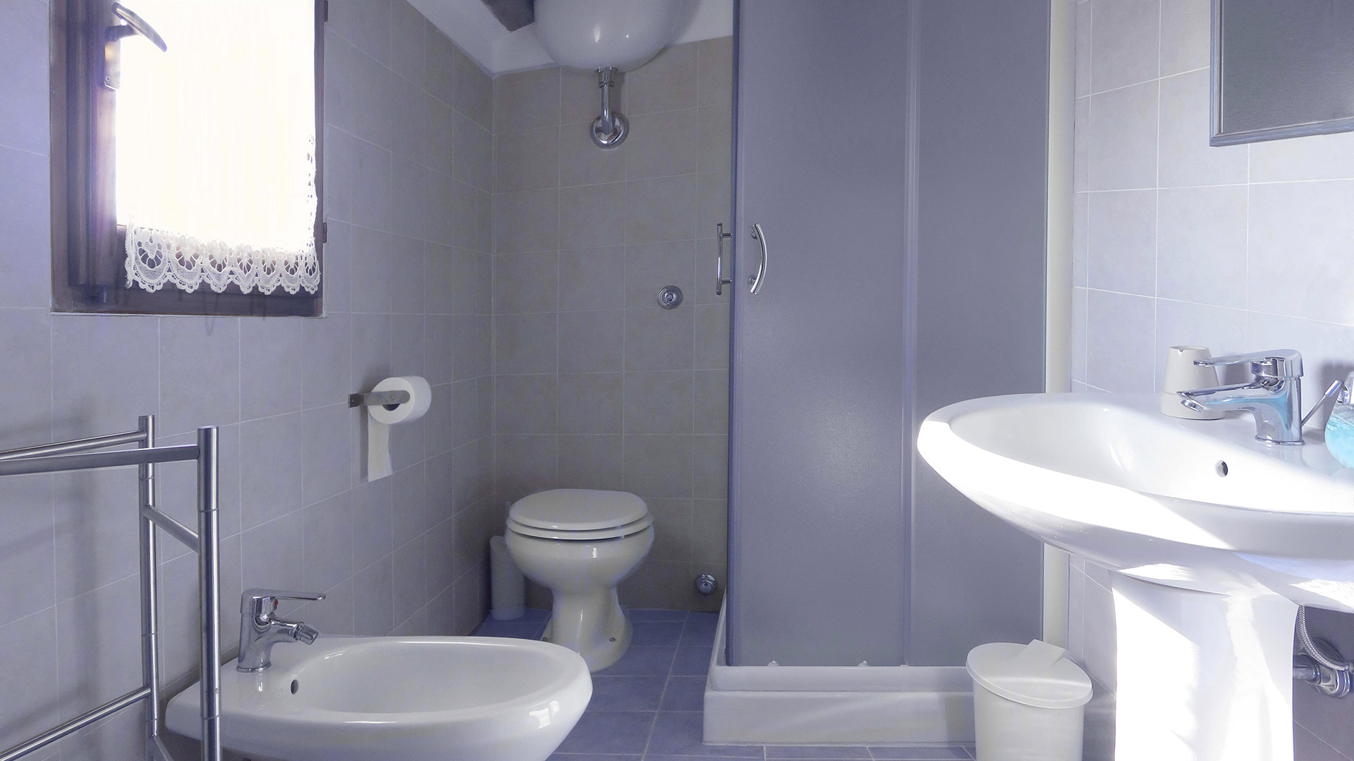 Camera-Mizar-bagno