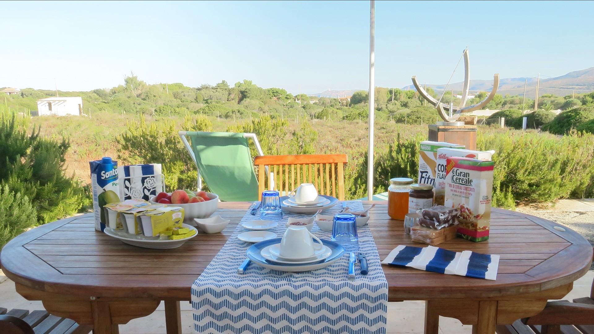 Camera-Mizar-colazione-vista-Faro
